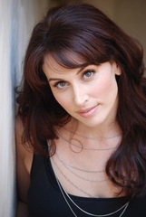 Actor Lesli Margherita