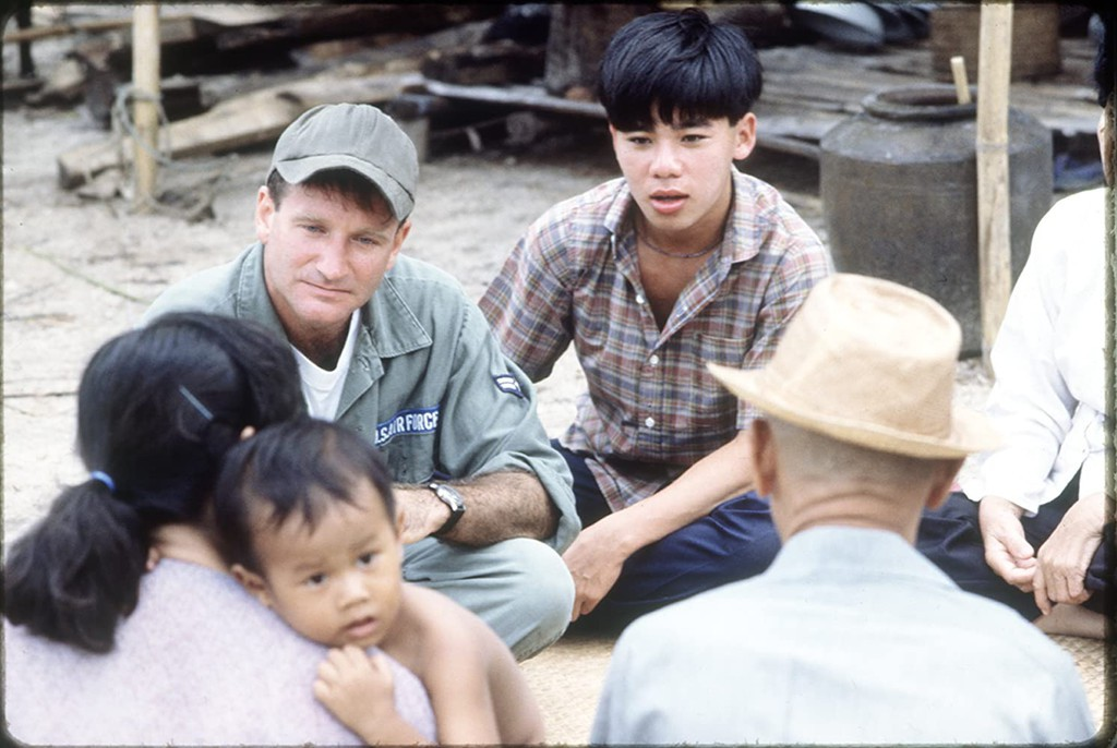 an analysis of movie good morning vietnam directed by barry levinson The film shows both the good sides and the bad sides of the war as well director: barry levinson international movie database good morning vietnam web 5.