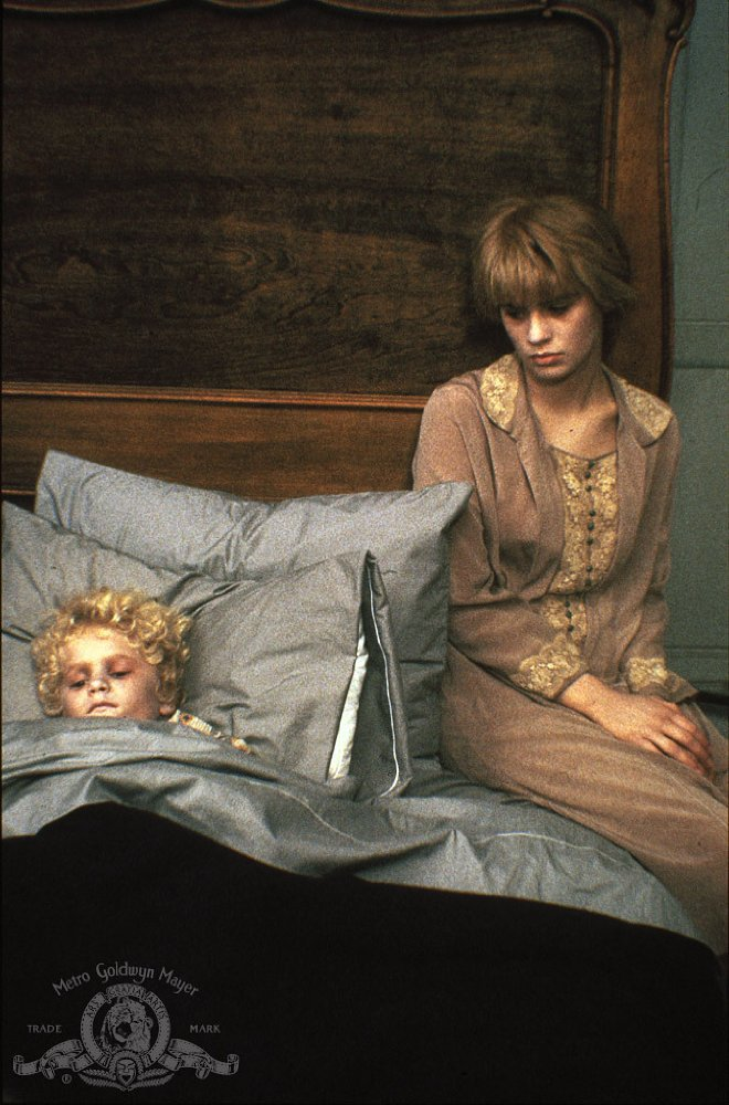Watch Flowers In The Attic Full Movie Online